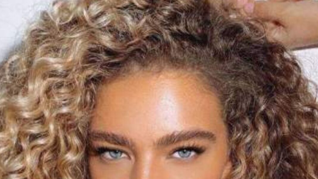hair colors for curly hair